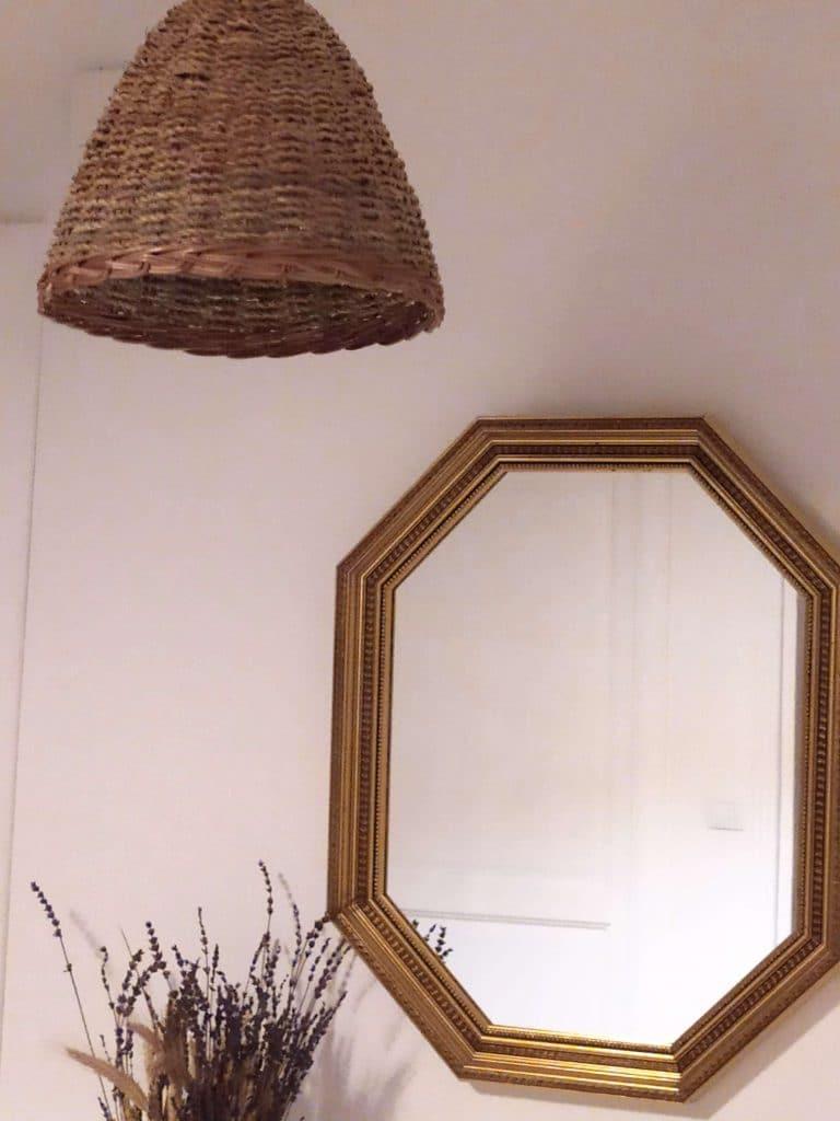 Decoración en fibras naturales para la casa. Lampara de palma.